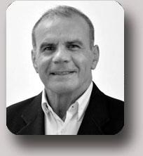 Pr. Miguel Montero de Carvalho Filho - Chirurgie pré-implantaire et implantaire, parodontologie